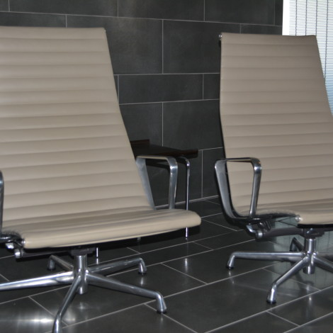 Eames Aluminum Group Lounge Chairs Qol Office Furniture